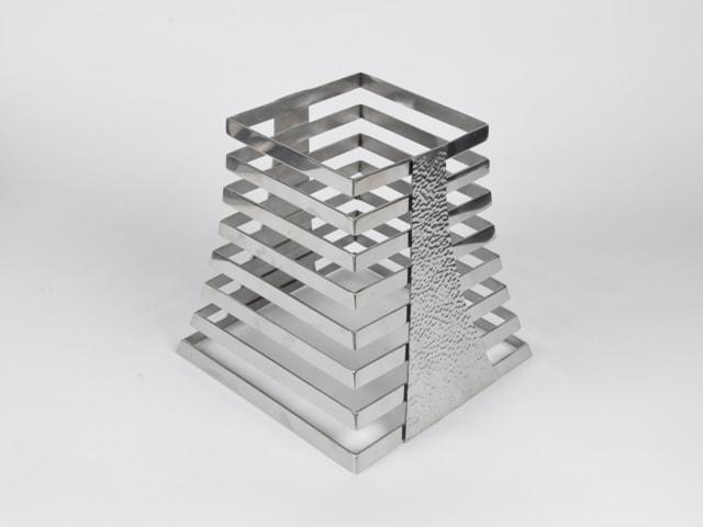 Подставка ребристая из метала (Пирамидальная) h 230 мм.