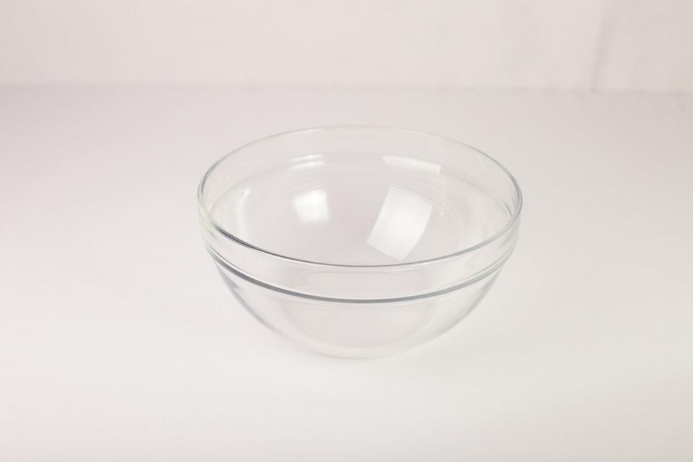 Салатник, стекло d  23 см.