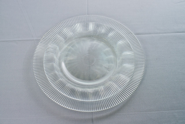 Тарелка основная стеклянная  26,5 см